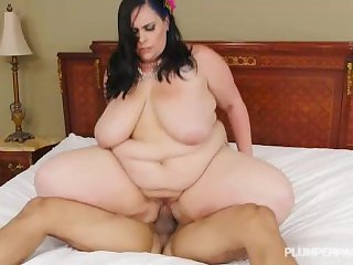 Sexy Mature BBW Lyla Everwettt Takes Cock Deep in Her Ass