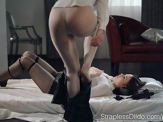 Порно лесби,Красивое порно,Порно бондаж