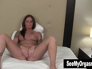 Tattooed Bella Toying Pussy