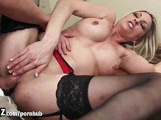 New Guy Fucks His Horny MILF Boss Until She Squirts! - WANKZ