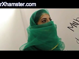 free sex cam hijab From Arxhamster