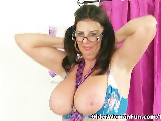 British milf Lulu Lush plays with her big tits and lickable pussy