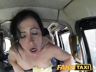 В машине,Брюнетки,Раком