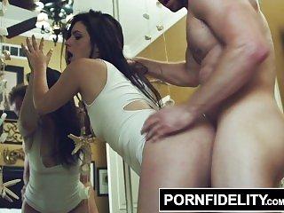 Порно кричащие,Порно в платье