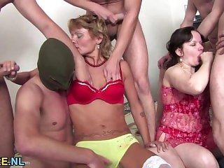 Порно брюнетки,Порно натуральные