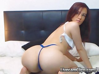 That Crazy BIG ASS Teen On Webcam!