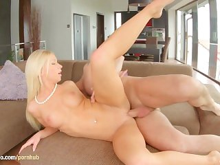 Hardcore gonzo creampie for Kiara Lord at All internal