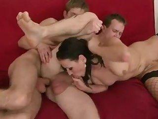 Жесткое порно,Порно анал,Порно втроем