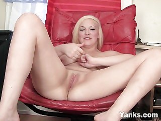 Yanks Teen Cutie Melody M. Fucks Her Toy