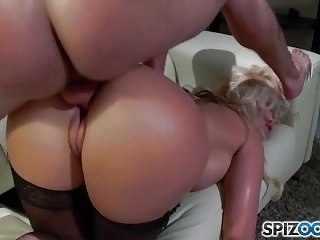 Spizoo - Phoenix Marie get a nice fuck by Tony Ribas