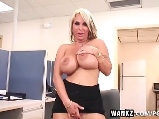WANKZ- Porn Queen Holly Halston