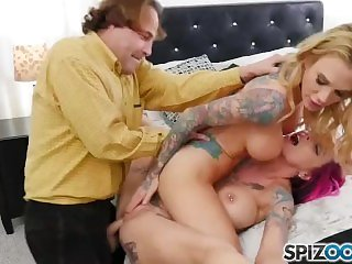 Spizoo - Eric gets to fuck Anna Bell and Sarah in a great threesome