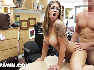 Ostry sex,Duże Cycki