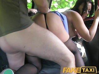 Реальное порно,Порно кончил,Порно в машине