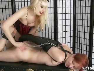BDSM,Blondynki,Klapsy